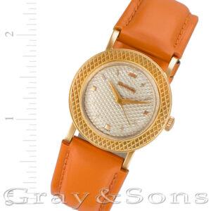 Universal Geneve Classic 10648 18k 31mm Manual watch